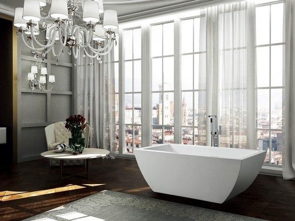BellaTerra BA6825 Livorno 59 Inch Freestanding Bathtub in Glossy White